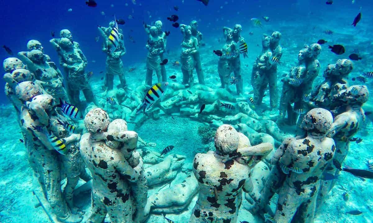 Estatuas submarinas de Gili Meno